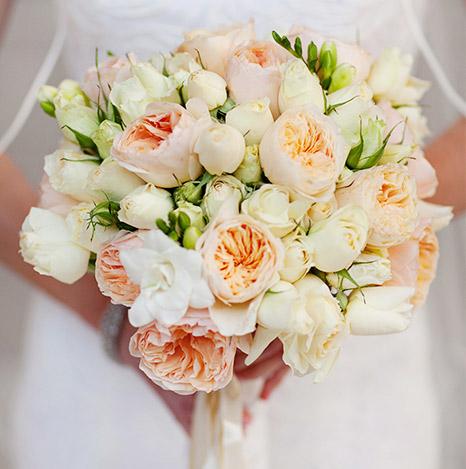 hoa cuoi cam tay dep