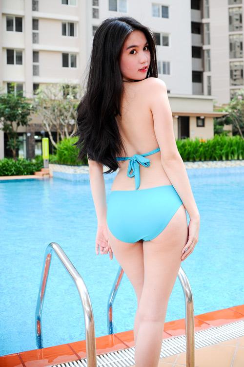 Ngoc Trinh Mac Bikini