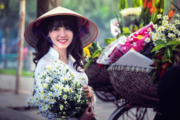 Anh Gai Dep Ben Hoa Cuc