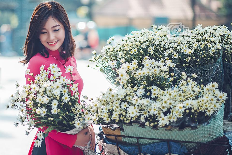 Girl Xinh Va Hoa Cuc Hoa Mi