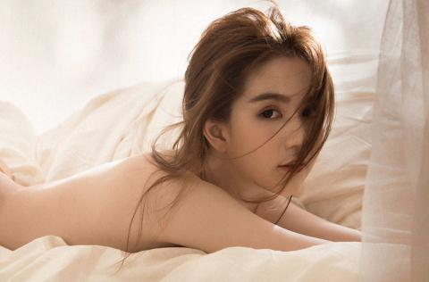 Anh Nude Ngoc Trinh